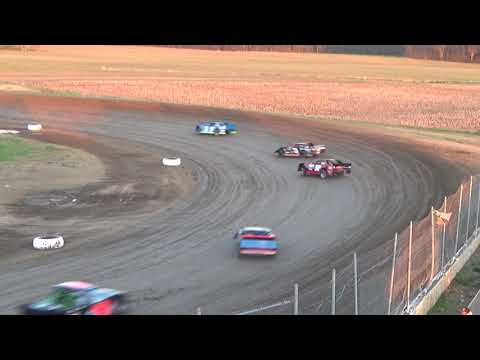 Pro Class Heat race at I-96 Speedway on 05-04-2018.