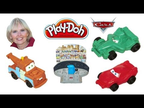 ♥♥ Play-Doh Disney Pixar Cars 2 Mold 'N Go Speedway