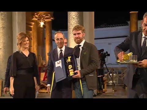 Premio Strega, l'intervista a Paolo Cognetti vincitore con il libro 'Le otto montagne'