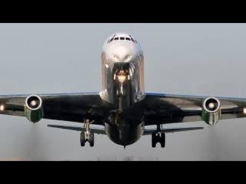 Douglas Aircraft Company Jetliners - The 1958 DC-8 Public Relations Introduction