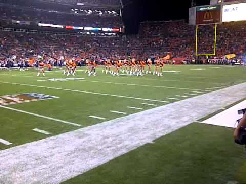 Denver Bronco Cheerleaders(2)  09-12-11