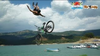 Extreme bike jumping in Lake : funny video