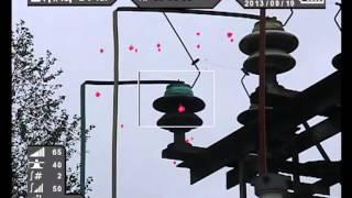 Ультрафиолетовое зрение человека. Камера CoroCAM 6D видит дефект изолятора днем в ультрафиолете(Красные вспышки - это ультрафиолетовое излучение от разрядов. Там, где вспышек много - дефект. Так диагности..., 2015-03-14T07:13:04.000Z)