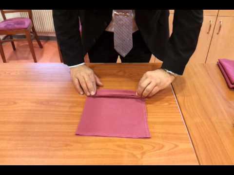 Pliage de Serviettes - Eventail.mp4 - YouTube