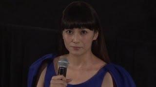 女優の柴咲コウさんと真木よう子さんが10月24日、東京都内で行われた映...