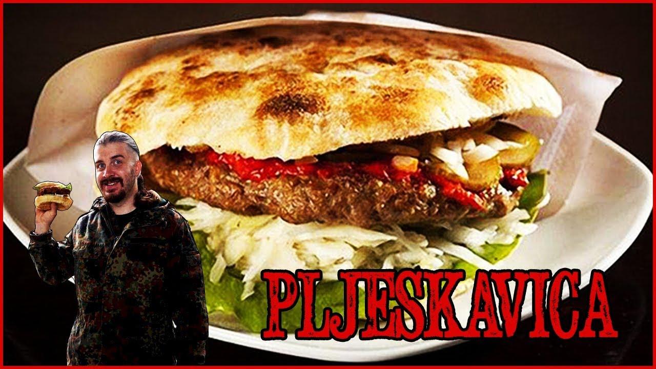 Русские готовят плескавицу на природе / Russians cook pljeskavica outdoors