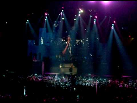 JayZ Performing His Hit, Can I Get A  at Madison Square Garden