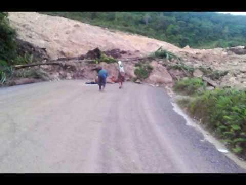 landslides in Papua New Guinea, aftershocks after large earthquake,