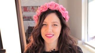 Jak wykonać fryzurę z kwiatami w roli głównej? [NaSzpilkachTV]