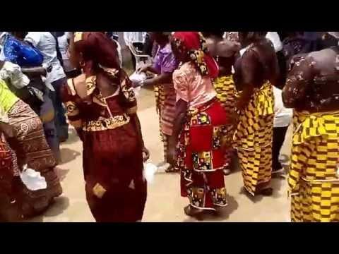 OGONI  IN PRAISE DANCE,THE BUAN COMMUNITY WAY.