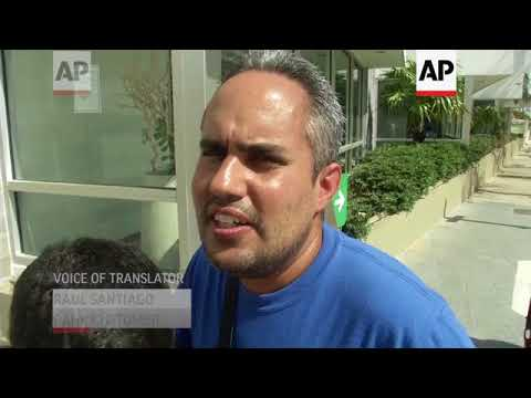 Puerto Ricans Brave Long Lines to Withdraw Cash