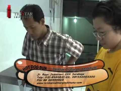 kursus-cara-membuat-membuat-hot-dog-&-jual-peralatan-mesin-roti-&-bakery
