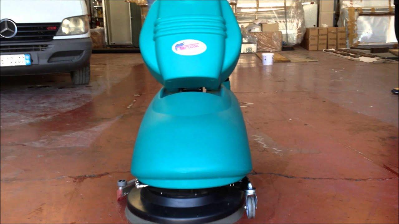 Lavapavimenti lavasciuga pavimenti industriale modello for Lavasciuga compatta