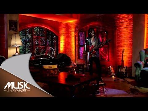 Ello - Pergi Untuk Kembali (Live at Music Everywhere) *