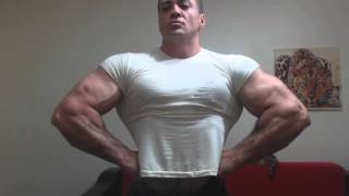 Carin The Bodybuilder-Muscles are to big for the Tshirt