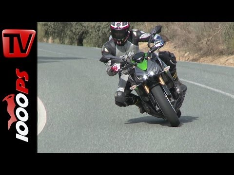 First Test | Kawasaki Z1000 2014 - Action & Details
