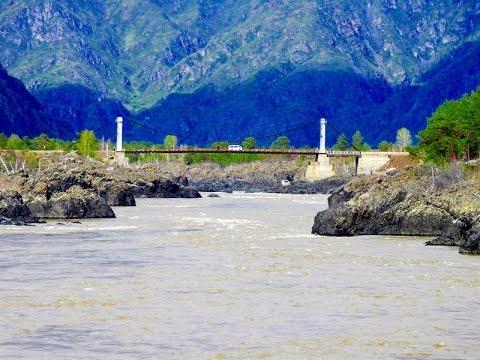 Горная река Катунь весной на Алтае в 4К.