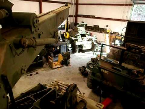 M816 wrecker removing M561 gama goat transfer case