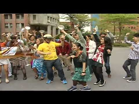 Harlem shake by 10-country youth in front of Confucius statue, Taipei, Taiwan. (Contiki)