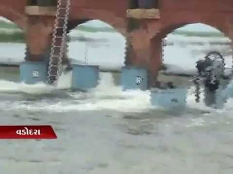 Sandesh News Rains cause flood-like situation in Vadodara