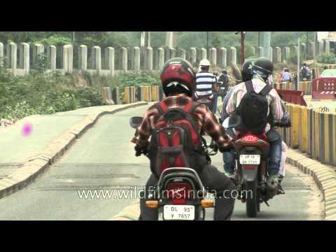Car lanes/Bike lanes at the Gurgaon tollgate