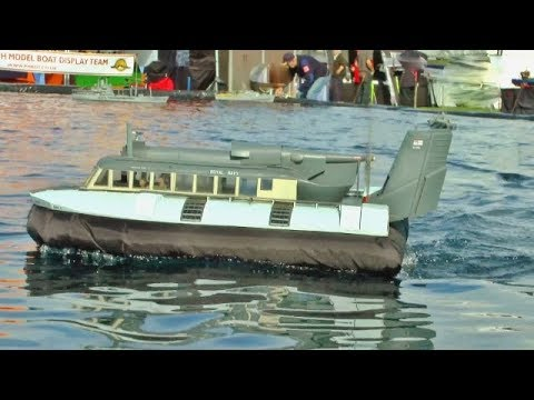 SCALE RC HOVERCRAFT + TUGS + SAIL BARGES + PLEASURE BOATS AT SOUTHERN HEADCORN - 2017