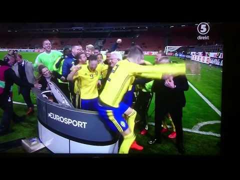 Svenska landslaget river studion efter VM-plats!