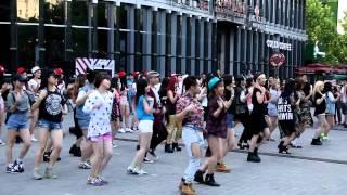 Little Apple(小苹果)-  Flash mob @三里屯快闪