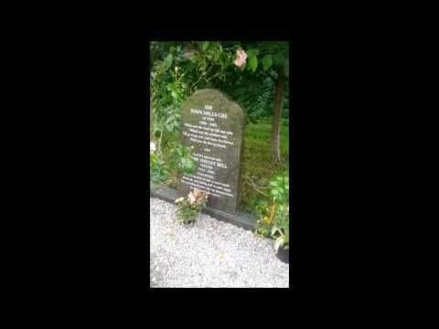 DENHAM VILLAGE SIR JOHN MILLS CBE GRAVE