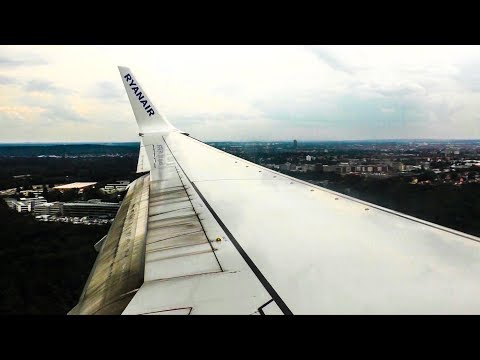 Dirty Ryanair Boeing 737-800WL Landing at Nuremberg Airport