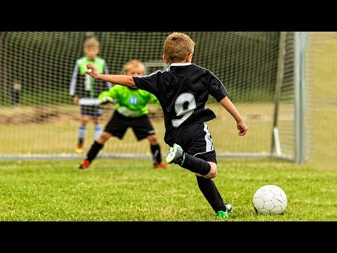 KIDS IN FOOTBALL ● AMAZING FAILS, SKILLS, GOALS