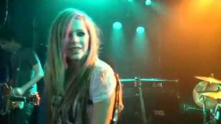 What The Hell ( Video Oficial Completo) Avril Lavigne se el primero en verlo