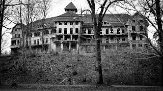 25 Terrifying Haunted Houses Few Are Brave Enough To Live In