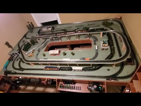 Really Cool Lionel O Gauge 12'x8′ Layout w/double reverse or 3 loops