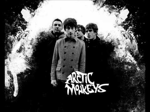 Arctic Monkeys - The View From The Afternoon + lyrics