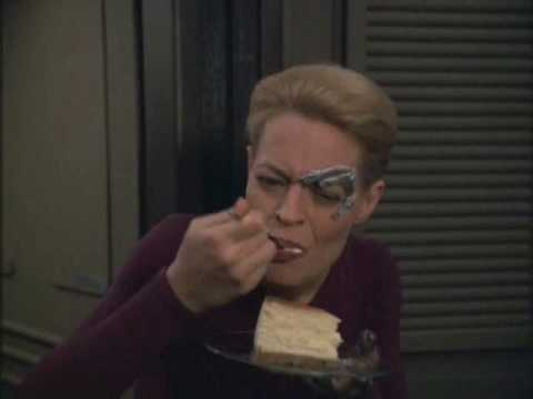 Seven of Nine eating cheesecake