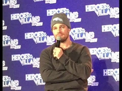 Stephen Amell - The Green Arrow Panel - HVFF Chicago