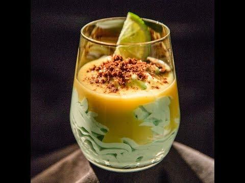 Mousse cu sos de ananas și curacao
