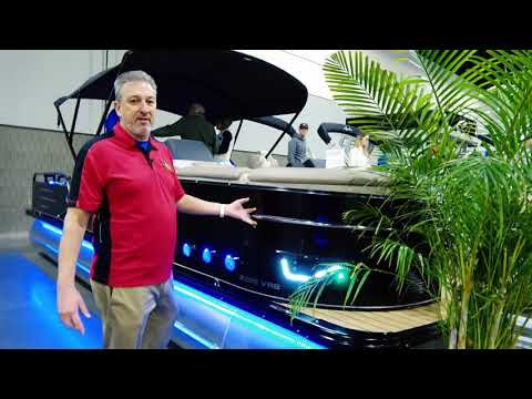 2018 Pontoon Boat OUSIDE WALL SKIN | Avalon Luxury Pontoons