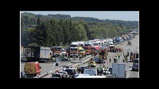 Autoroute A7 : un grave accident entre un poids-lourd et plusieurs voitures fait trois morts