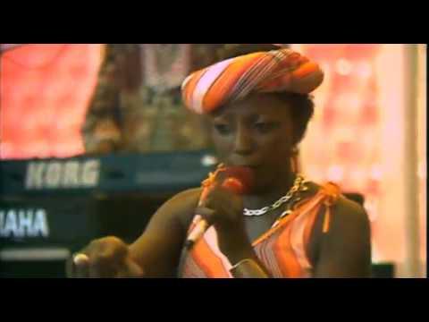 Mara Louw - Motla Le Pula (Live at Ellis Park Stadium, 1985)
