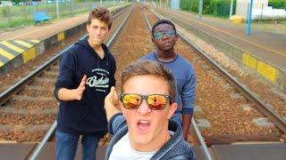 Pas de Train et Coincés dans un Terrain de Tennis !! (Vlog n°1)