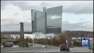 Gambar cover Mohegan Sun, Foxwoods Casinos shutting doors amid coronavirus concerns