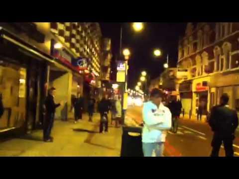 בזיזה ברחובות לונדון