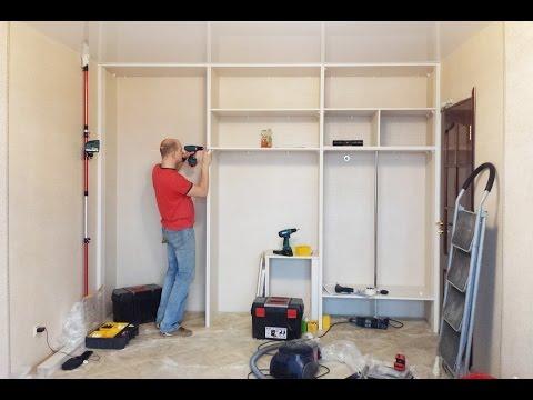 Шкаф встроенный с распашными зеркальными дверьми