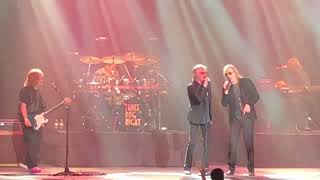 Watch Three Dog Night Elis Coming video