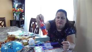 Birthday Basket with candies and Avon products part 1/ Canasta para cumpleaños 1ra parte.