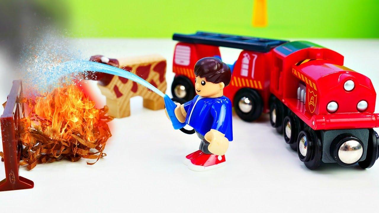 Video e giochi educativi. I trenini Brio vanno alla fattoria. Nuovi episodi con  i giocattoli.