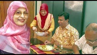 নায়িকা শাবানার বাসায় দাওয়াত খেলেন যারা ! Shabana Latest hit showbiz news !