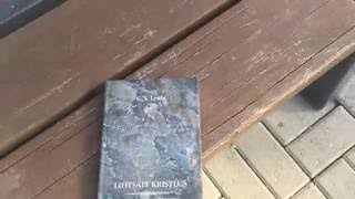 Repeat youtube video Putting book on a bench